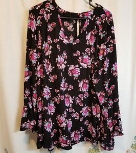 Lane Bryant black long sleeve floral tunic pockets